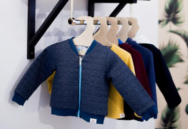 fbfa6eb65e0826 Il n'a jamais été aussi facile d'acheter des vêtements pour ses enfants :  les magasins poussent comme des petits pains, c'est Byzance dans les  vide-greniers ...